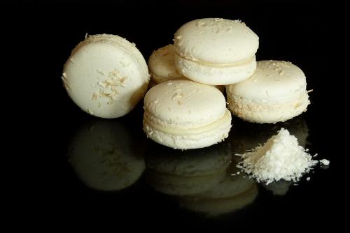 Macarons mit Kokosfüllung