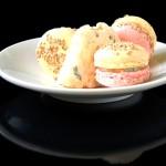 Macarons mit Roquefort und Quitte