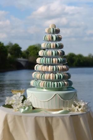 Pyramid mit Macarons